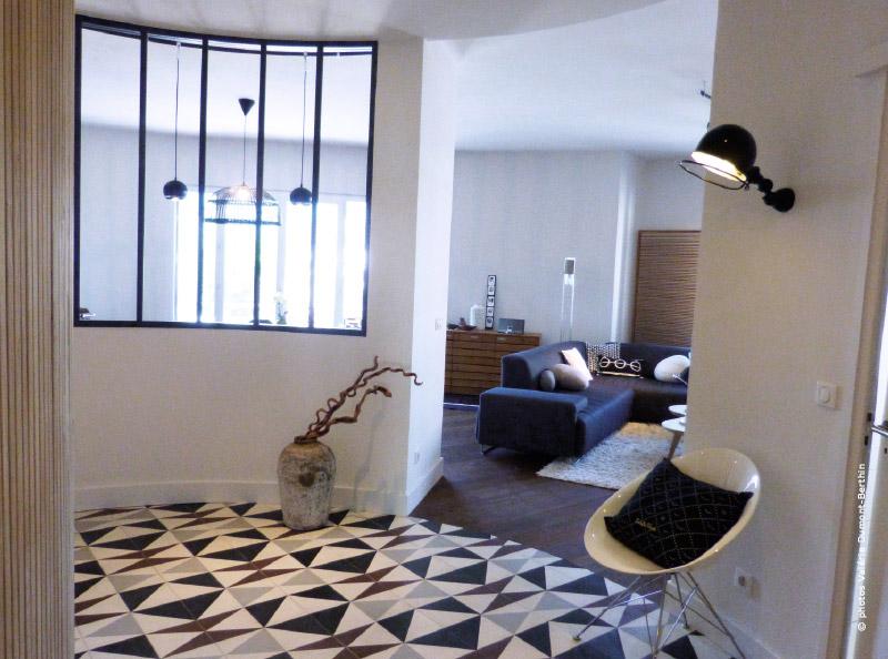 Visite priv e d 39 un appartement atypique annecy traits d 39 co - Appartement hal ...