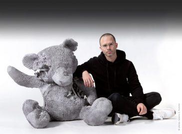 Daniel Arsham artiste