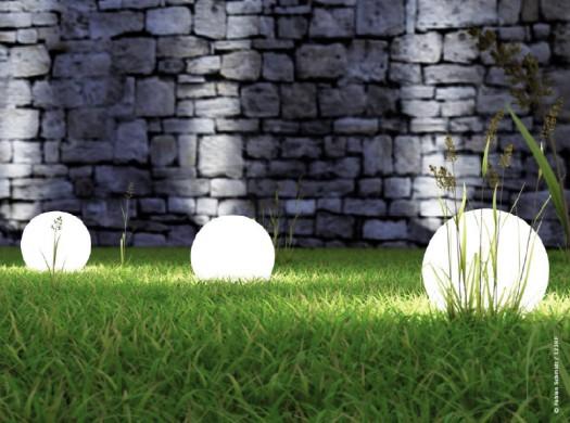 Eclairage ext rieur tendance luminaires pour le jardin for Lumieres exterieures pour jardin
