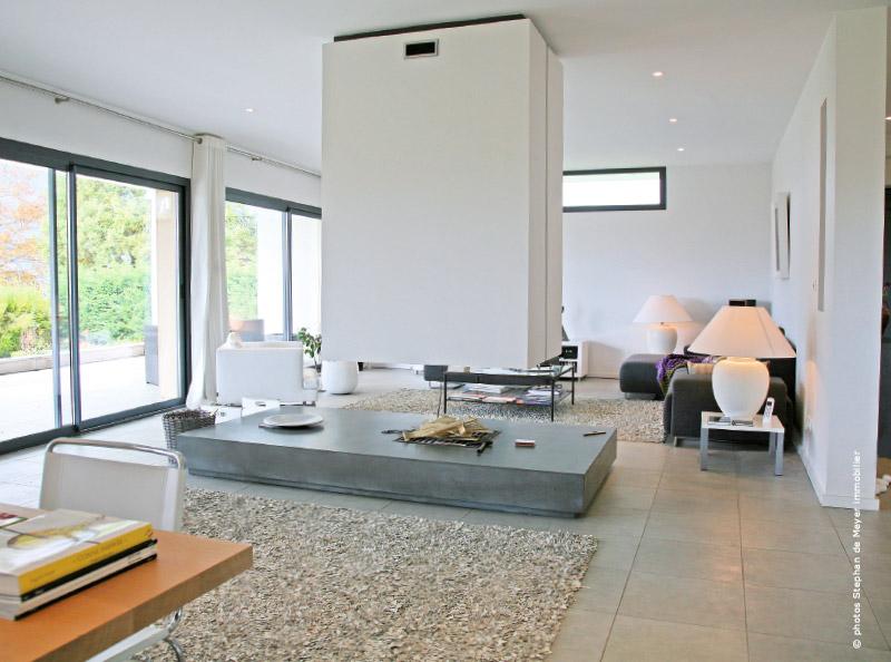 Visite d 39 une maison d 39 architecte lac du bourget for Decoration maison epuree