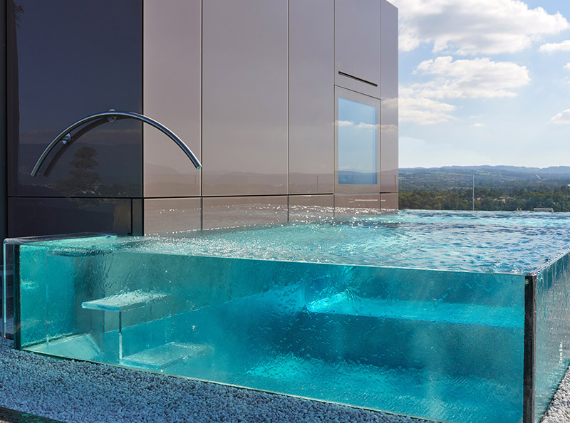 Mini piscine design maxi d tente tour d 39 horizon par for Bord de piscine en pierre