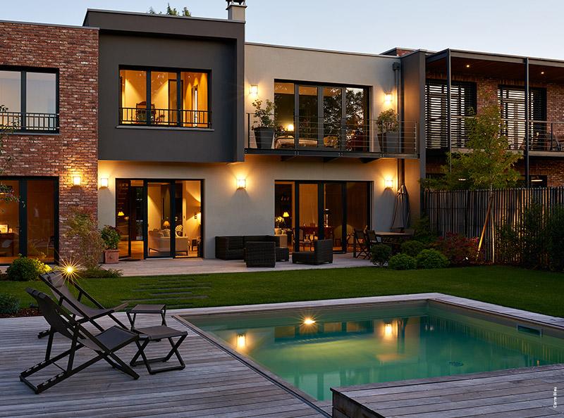 Mini piscine design maxi d tente tour d 39 horizon par for Agglo a bancher piscine