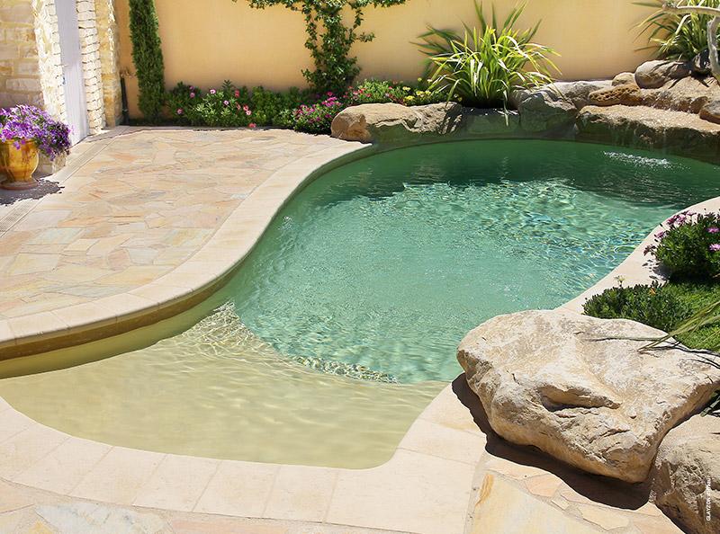 Mini piscine design maxi d tente tour d 39 horizon par for Carre bleu piscine prix