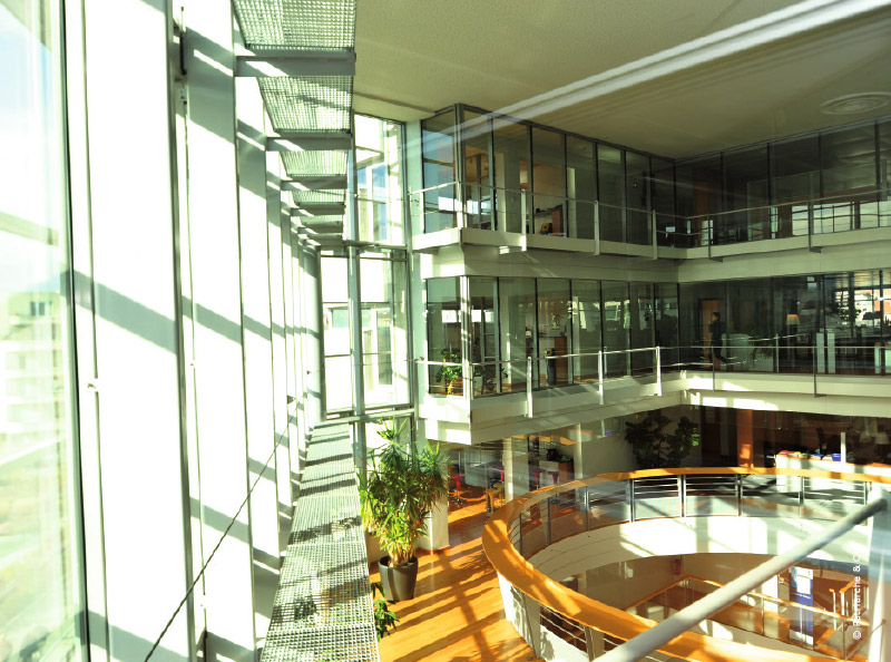 Construction de la nouvelle cci annecy traits d 39 co vous for Chambre de commerce annecy
