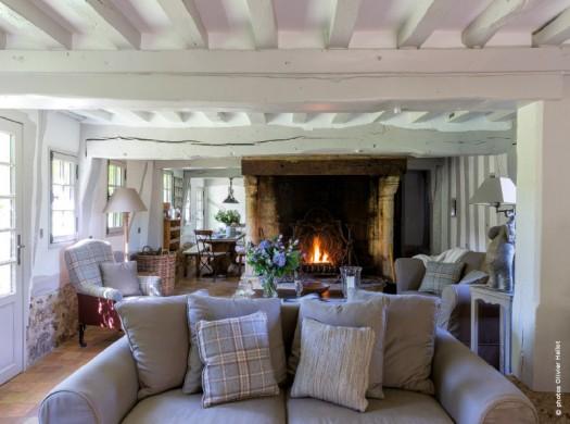 Petite chaumi re normande la tradition du sol au plafond for Decoration maison normande