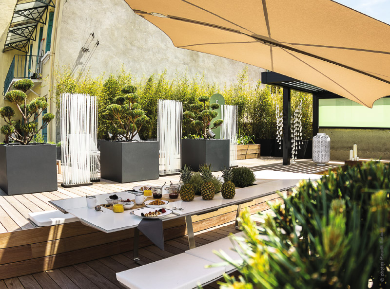 Une terrasse à Annecy : quand le design s\'invite sur les toits ...
