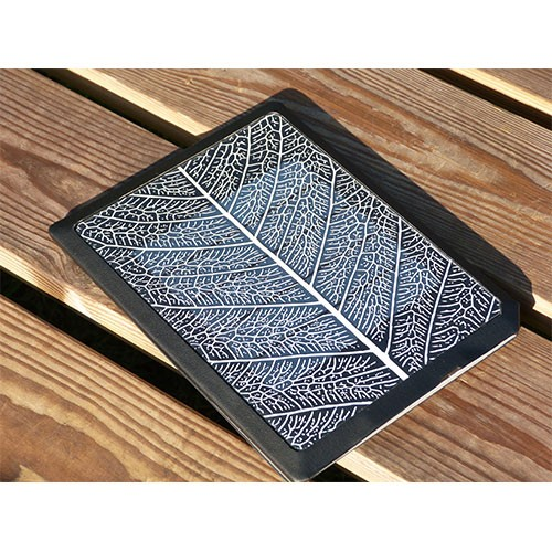 bookeen-solar-leaf-cover-with-cell