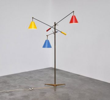Le lampadaire triennal d'Angelo Lelli