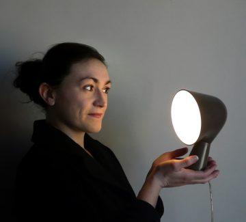 Portrait en rondeurs et en couleurs de Ionna Vautrin, designer