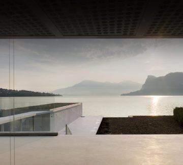 O House : une maison pieds dans l'eau
