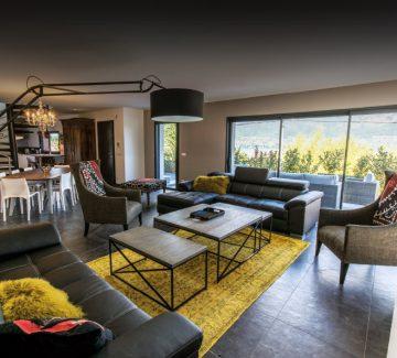 Maison atypique Annecy : un lumineux brassage de style