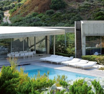 3 villas design en Corse : dialogue entre la nature et le bâti